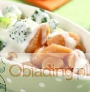 Kopytka z brokulami i sosem pomidorowym (szagowki)